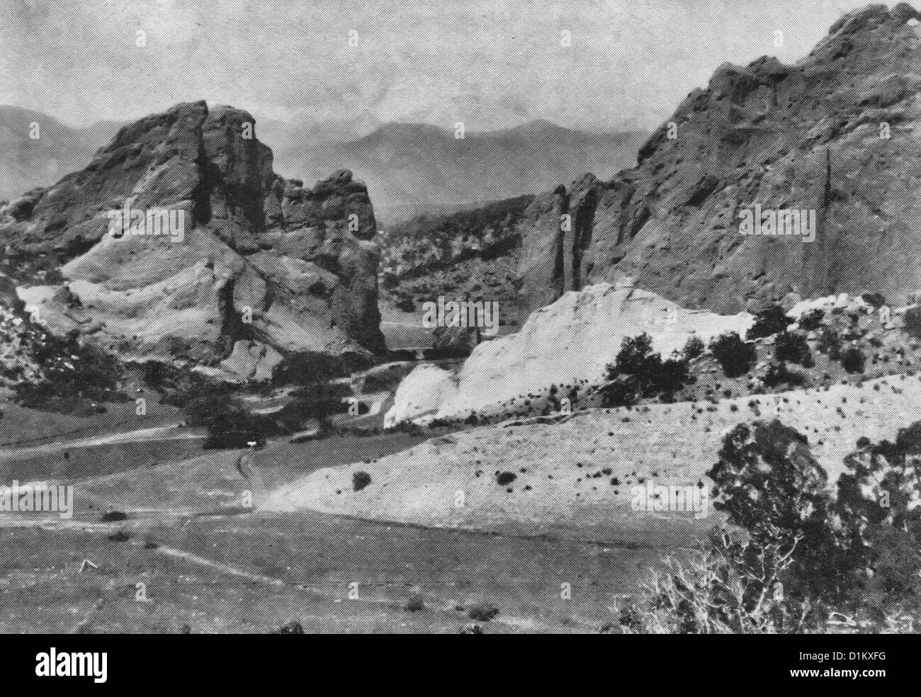 Pike's Peak from from the Gateway of the Garden of the gods, circa 1895 - Stock Image