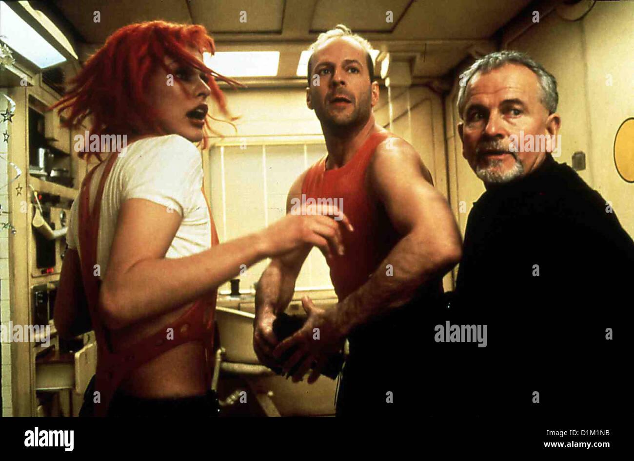 Das Fuenfte Element  Fifth Element,  Leeloo (Milla Jovovich), Korben Dallas (Bruce Willis), Cornelius (Ian Holm) - Stock Image