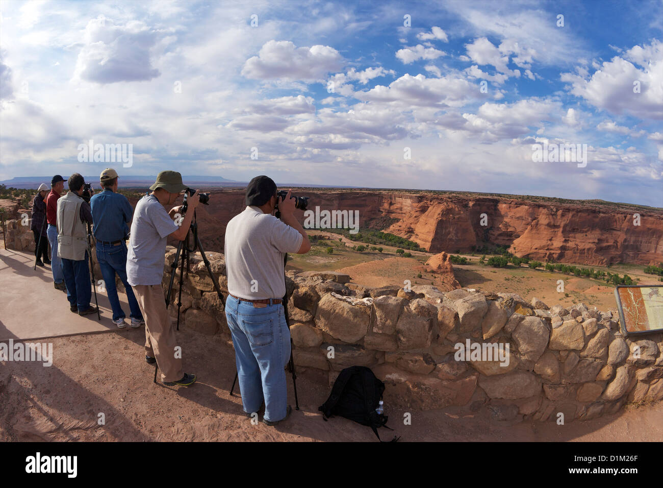 Amateur photographers with tripods, Junction Overlook, Canyon de Chelly National Monument, Arizona, USA - Stock Image