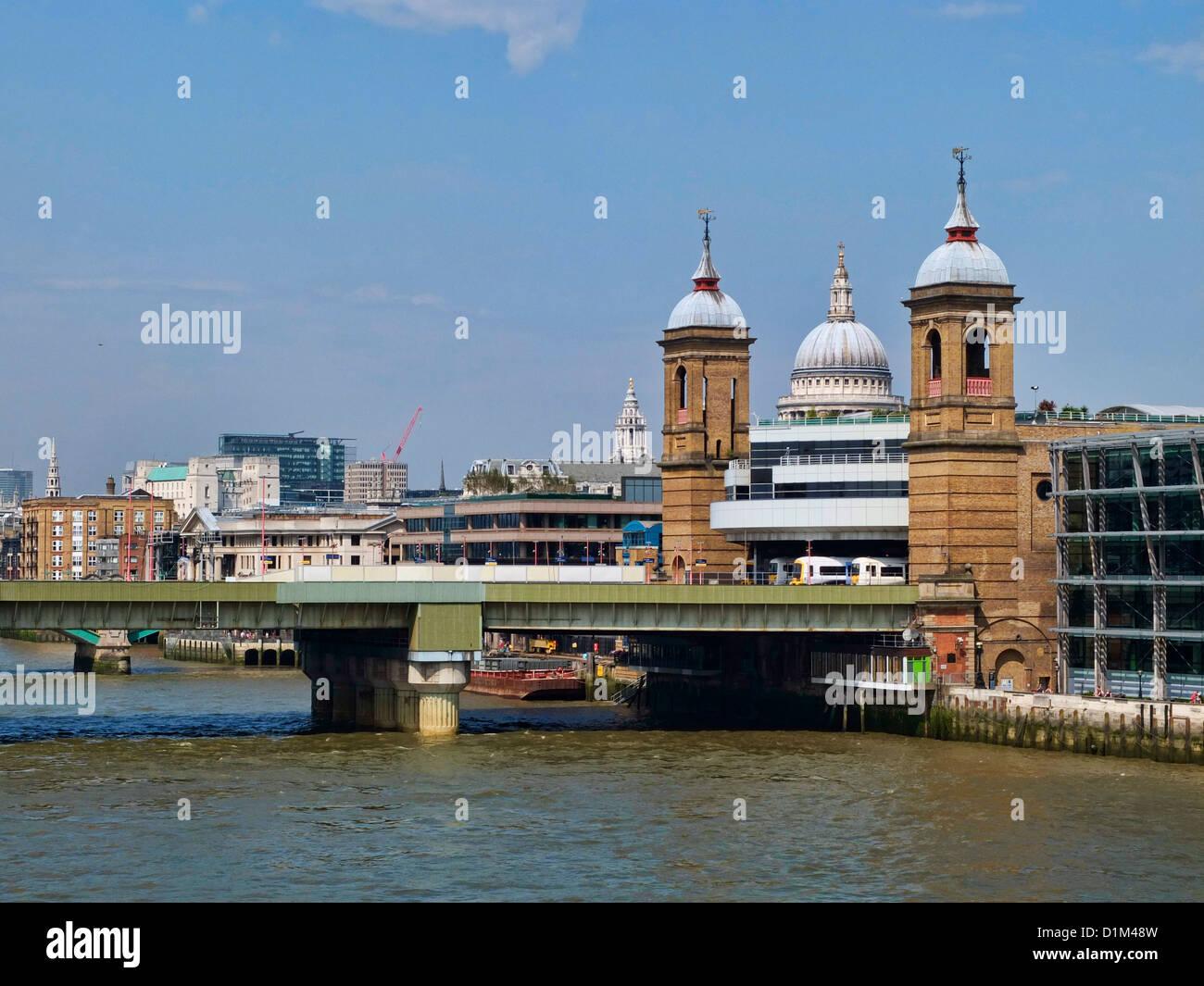 Cannon Street Railway Station and Cannon Street Railway Bridge, London, England, UK - Stock Image