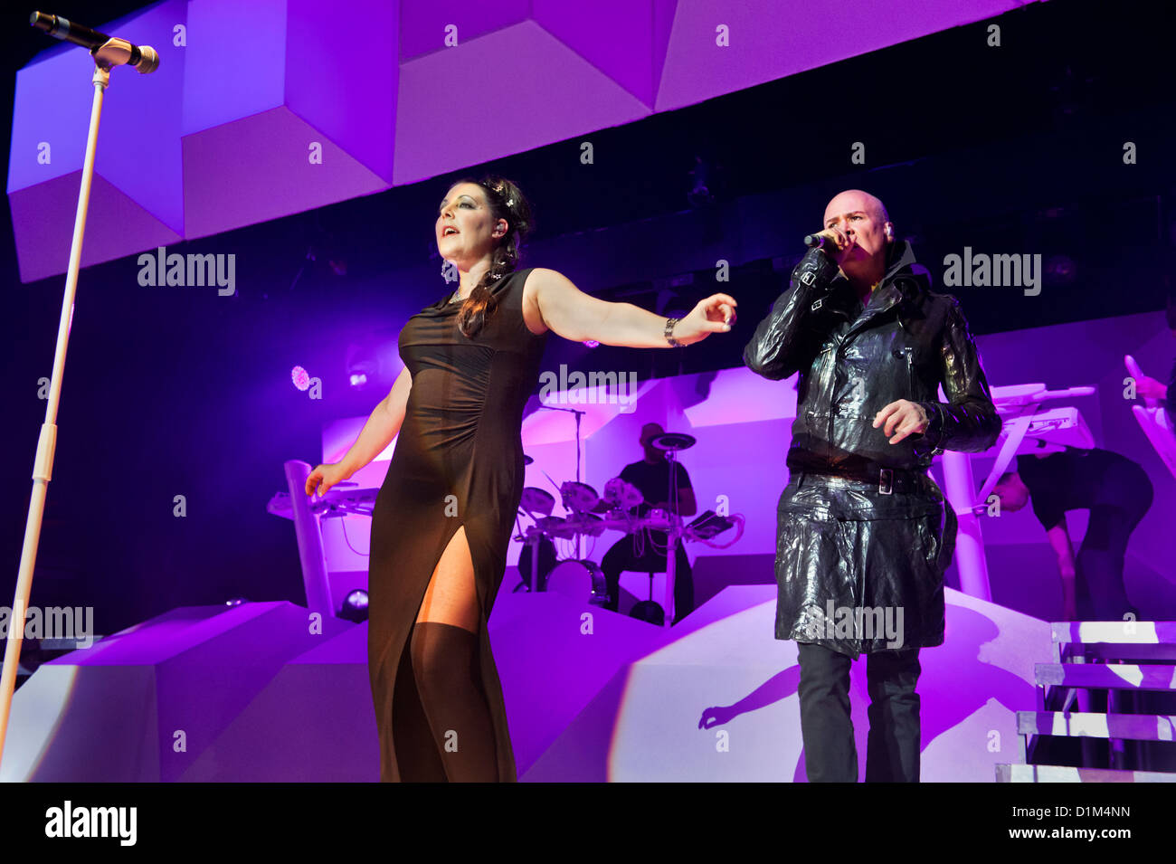 Joanne Catherall and Phil Oakey, in concert with with their band the Human League, Wolverhampton Civic Hall, 2 December - Stock Image