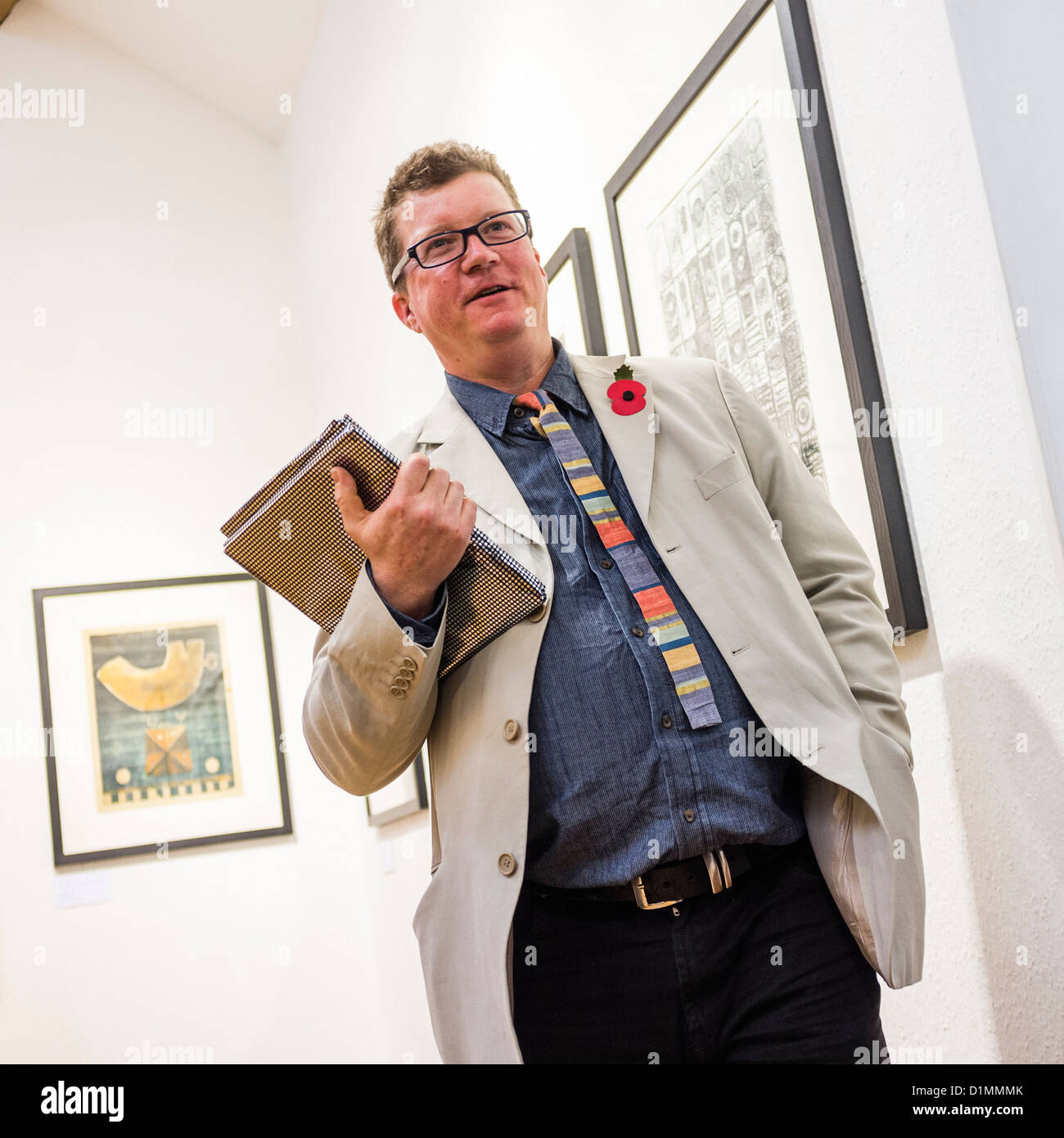 """Printemaker PAUL CROFT at the opening of """"30 Years of Drawings and Prints"""", Museum of Modern Art (MoMA) Wales, Machynlleth Stock Photo"""