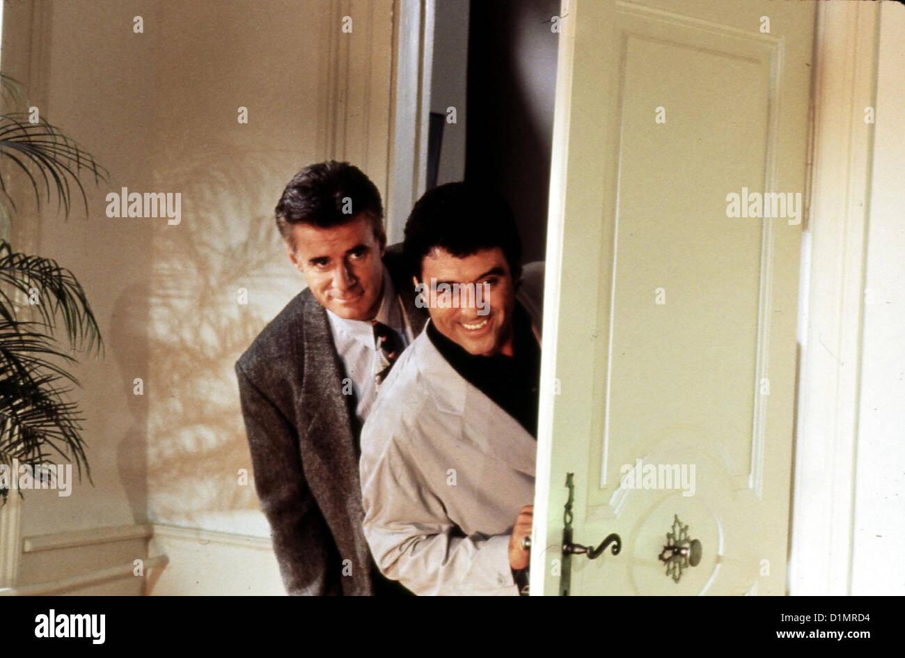 Original Oder Faelschung  In Frame  Don Stuart (Lyman Ward), David Cleveland (Ian McShane) *** Local Caption *** Stock Photo