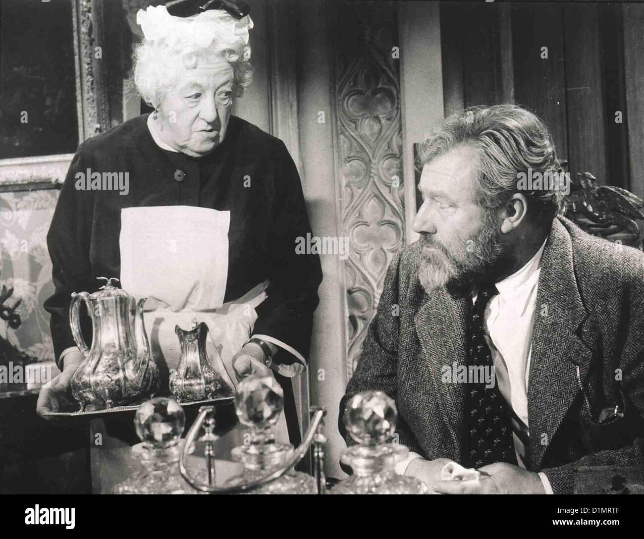 16 Uhr 50 Ab Paddington  Miss Marple: Murder She Said  Margaret Rutherford, James Robertson-Justice Um einen Mord - Stock Image