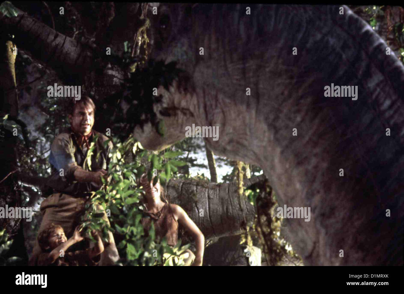 Jurassic Park  Jurassic Park - Hr  Joseph Mazzello, Sam Neill, Ariana Richards *** Local Caption *** 1993 Universal - Stock Image