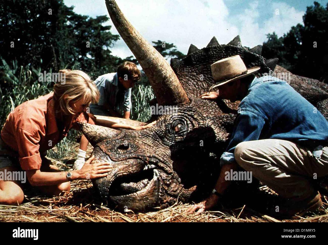 Jurassic Park  Jurassic Park - Hr  Laura Dern, Joseph Mazzello, Sam Neill *** Local Caption *** 1993 Universal Pic., - Stock Image