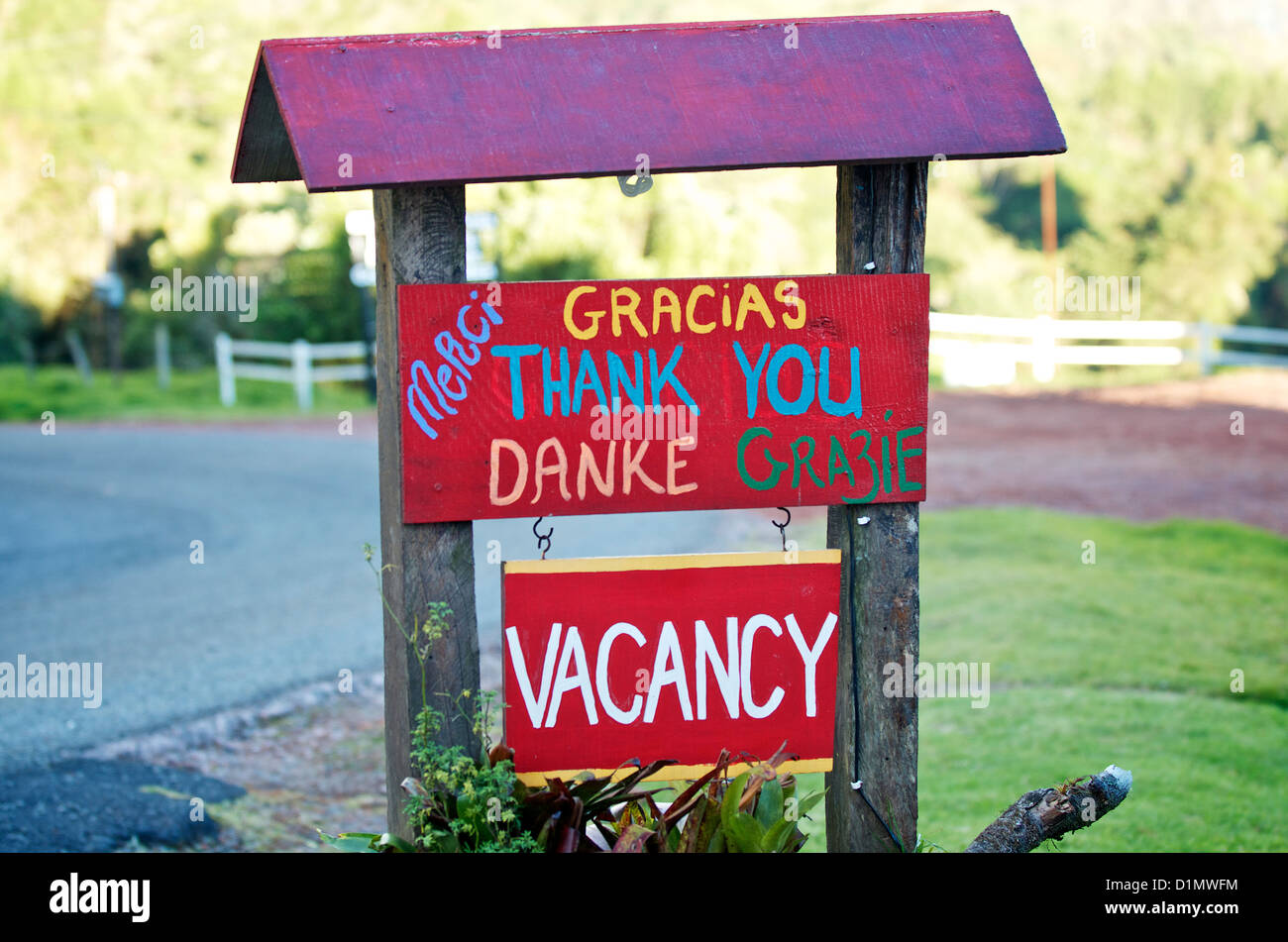 Thank you sign and vacancy sign outside of Poas Lodge and Restaurant, Alajuela, Costa Rica Stock Photo