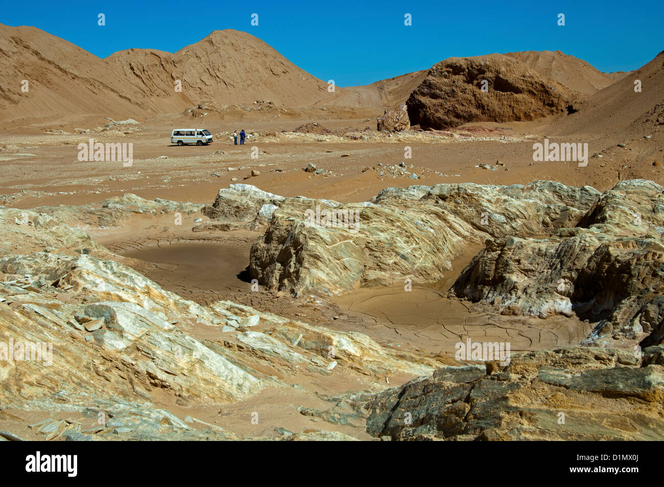 Mini-bus as comparision of size in a depleted diamond deposit, De Beers Namaqualand Mines, Kleinzee, Namaqualand, - Stock Image