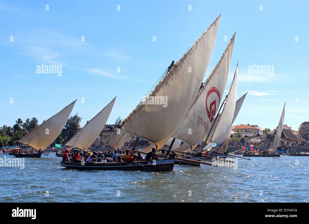 Dhow boat race at the Lamu Cultural Festival, Lamu Island, Kenya, East Africa - Stock Image