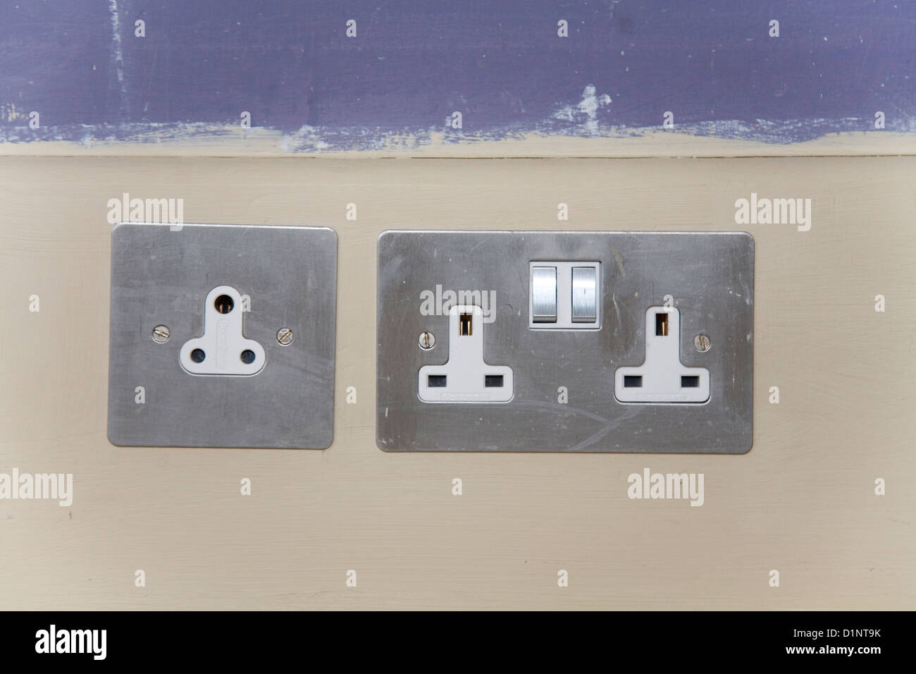 Old Electric Socket Wiring Diagram And Ebooks An Electrical Uk Round Pin Electricity Left For Lights Rh Alamy Com