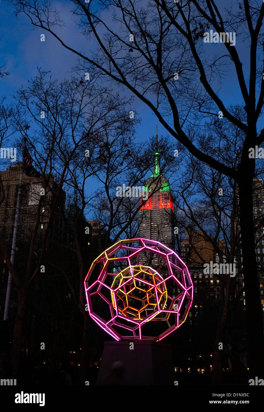 Leo Villareal sculpture 'Buckyball' in Madison Square Park in New York City at Christmas. - Stock Image