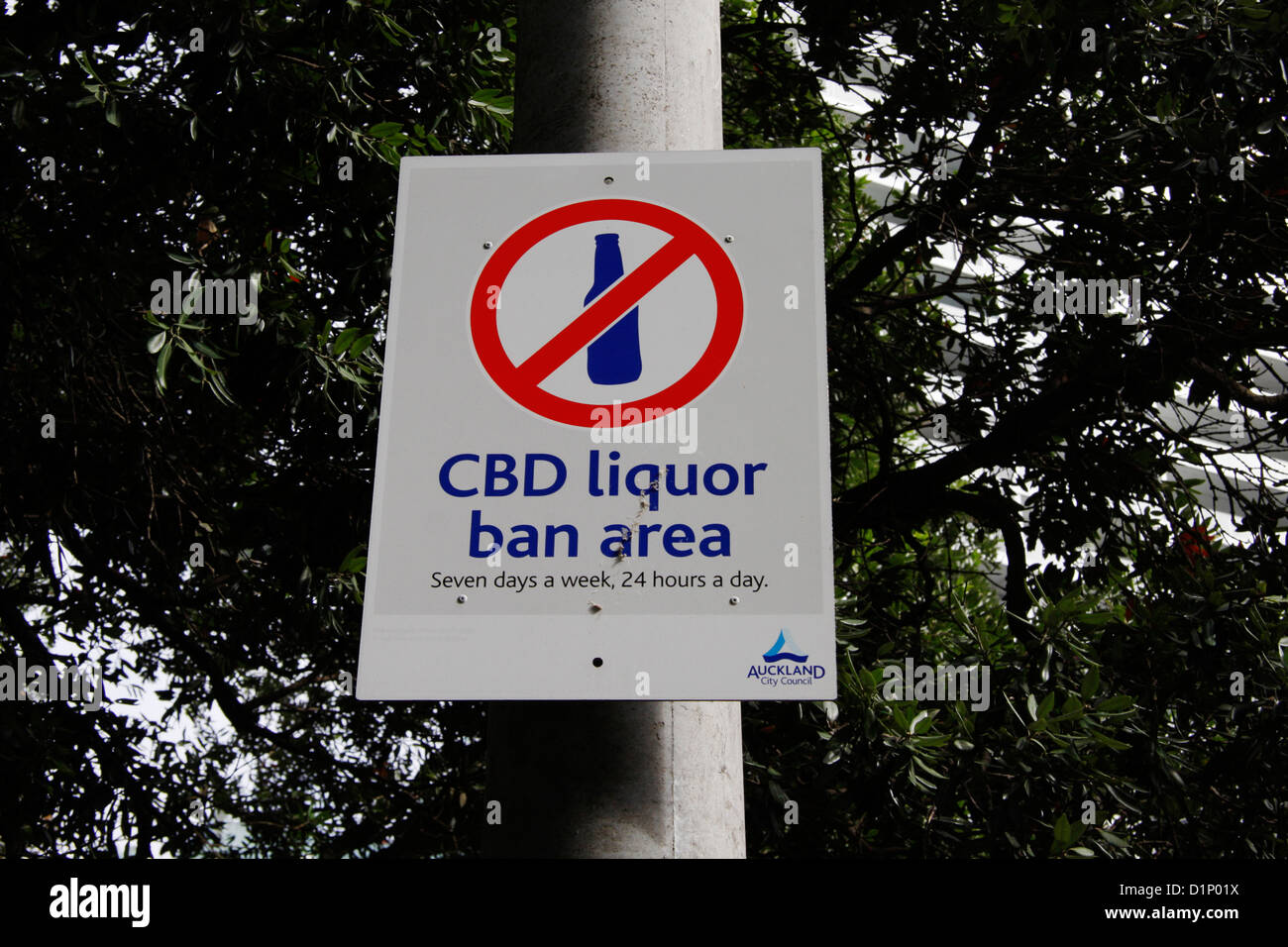 Sign reminding passers-by that they are in a liquor ban zone , 7 days a week and 24 hours a day, in Albert Park, - Stock Image