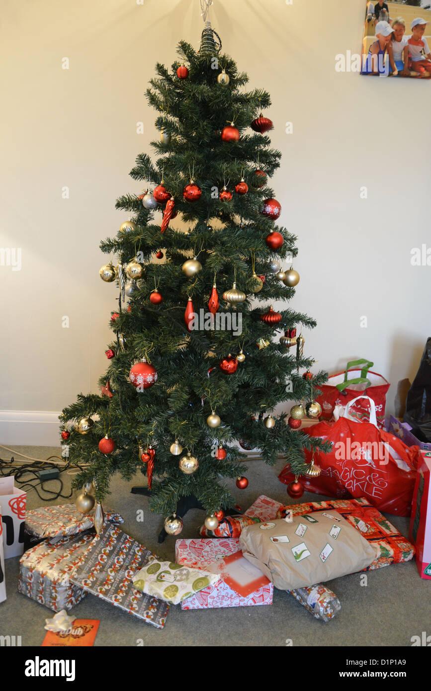 England Christmas Tree.Christmas Tree In Family Home Kingston Upon Thames Borough