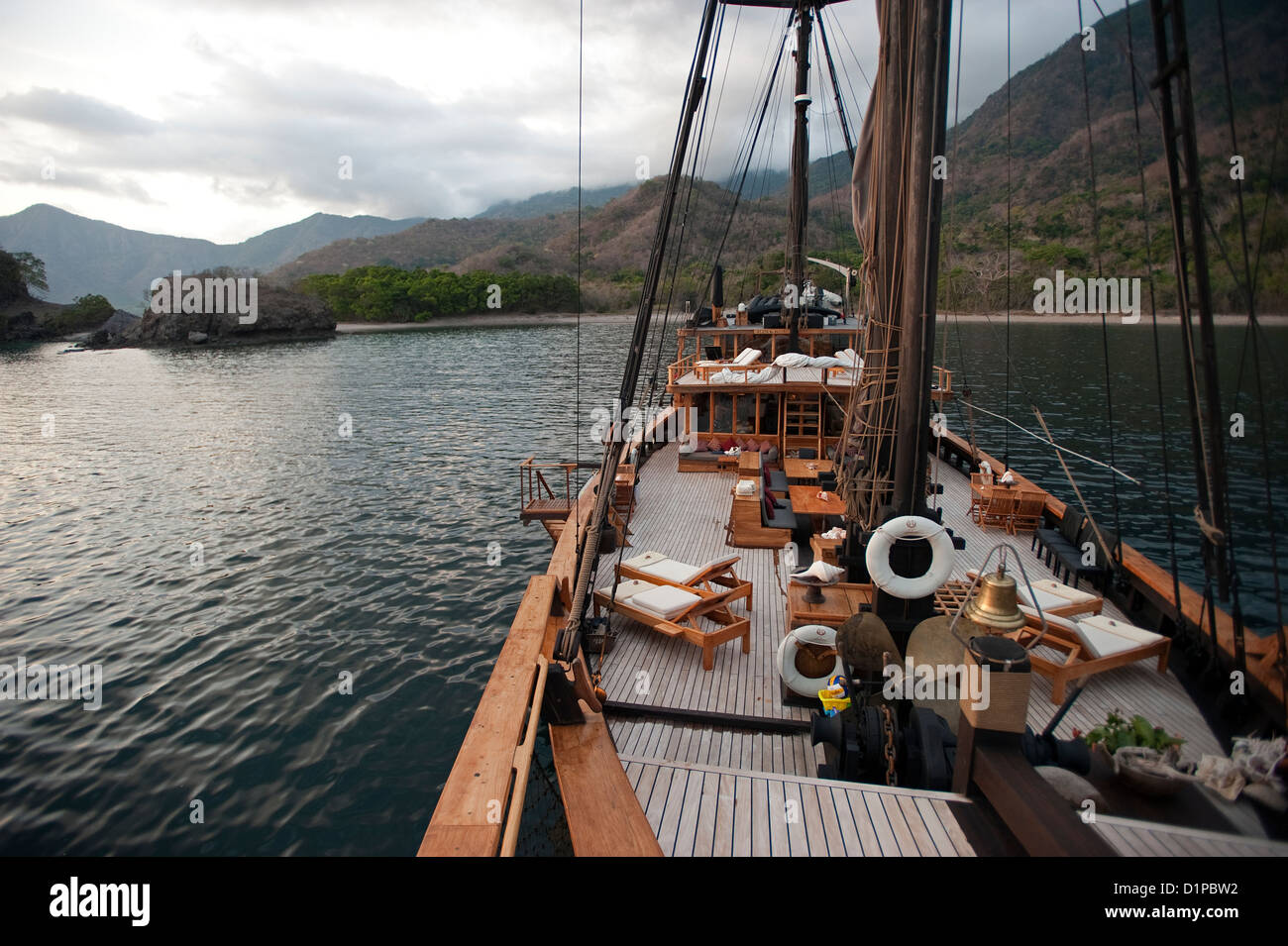 Silolona charter sailing boat in Rincha Island Komodo National Park Indonesia - Stock Image