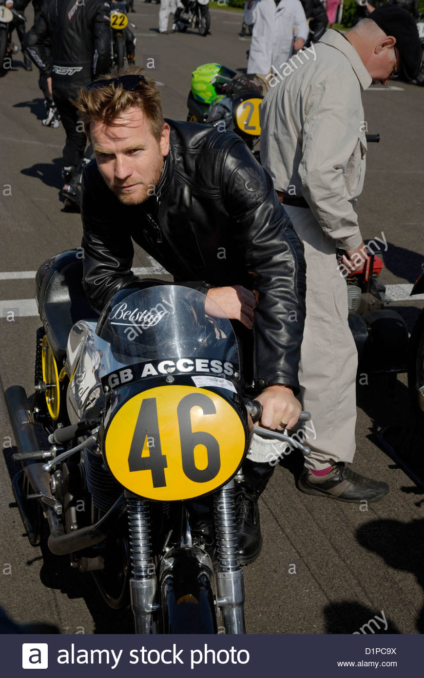 actor Ewan McGregor waiting before the start of the Barry Sheene Memorial Trophy Motorcycle Race with a Norton Manx - Stock Image