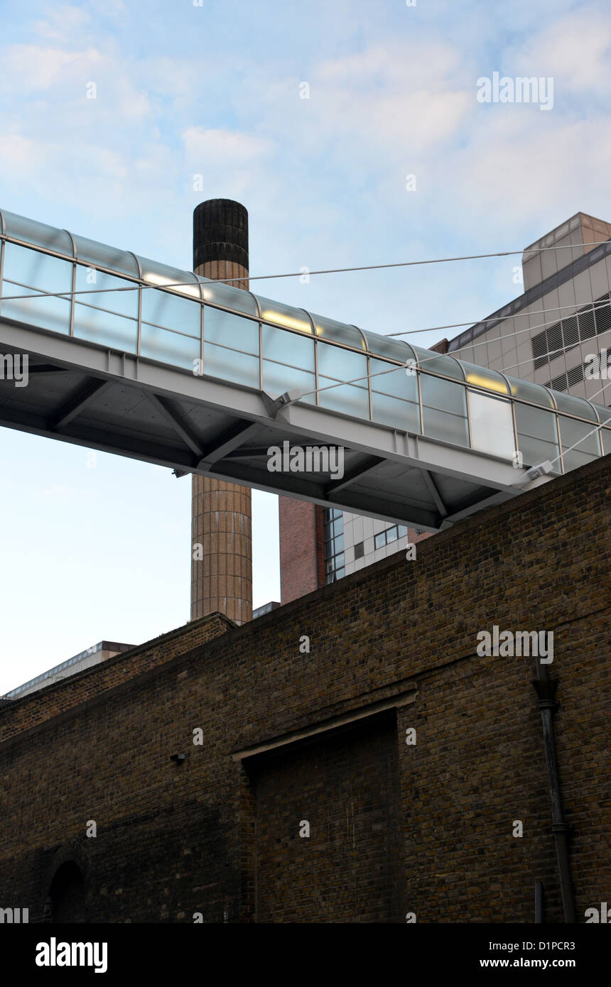 The former News International newspapers building on Pennington and Virginia Street, Wapping London. Sun News of - Stock Image