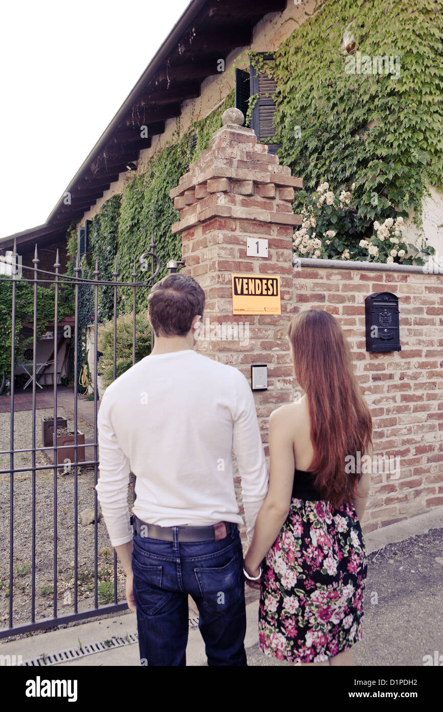 couple,house for sale - Stock Image