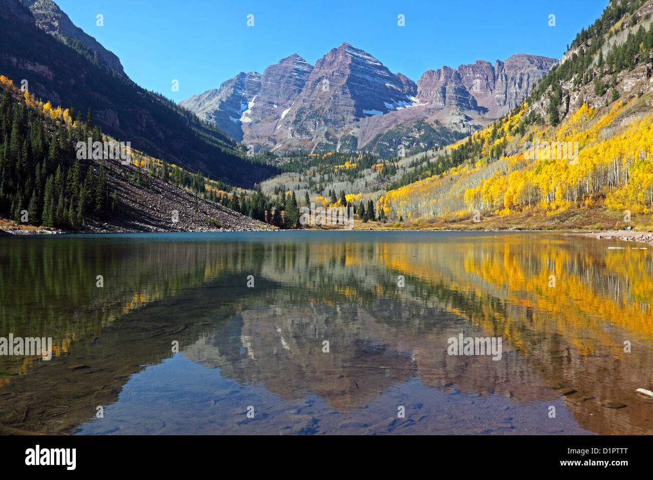 Maroon Bells And Lake Spiegelung Aspen Co Usa Stock