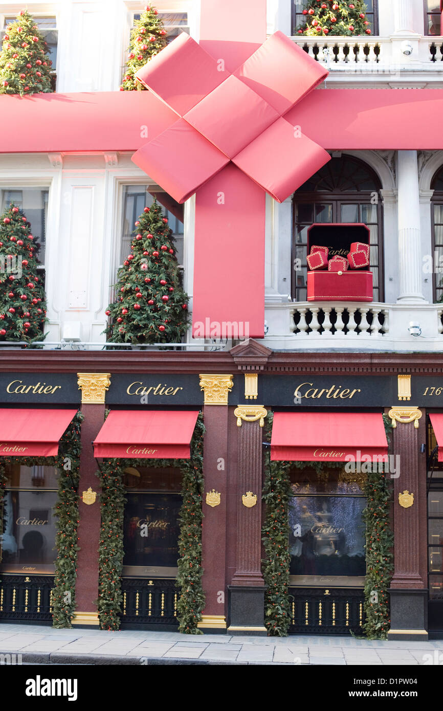 Cartier shop front Christmas Decorations on the streets of ...