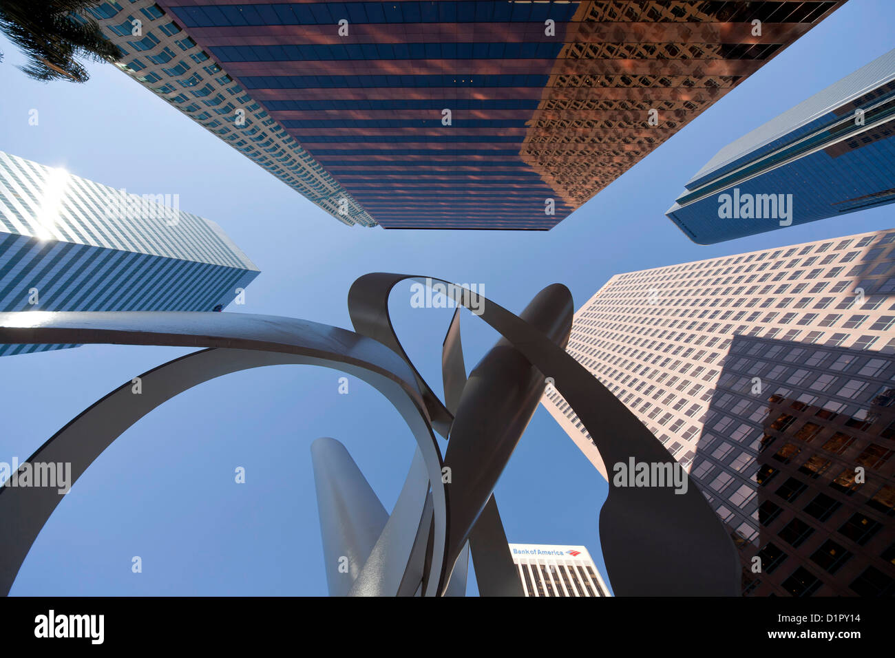 """Worm's-eye view of Downtown Los Angeles skyscrapers and sculpture """"Ulysses"""" by Alexander Lieberman, California, - Stock Image"""