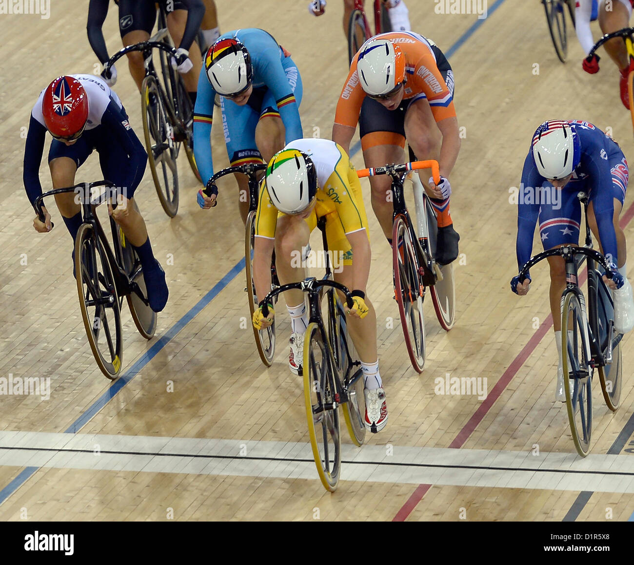 Annette Edmondson (AUS, Australia, centre) crosses The line first with Laura Trott (GBR, Great Britain, left) third - Stock Image