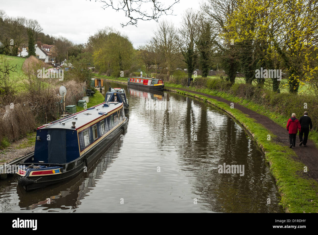 Following the Staffordshire & Worcestershire Canal towpath towards Stewponey Locks, Stourton, in the Black Country - Stock Image