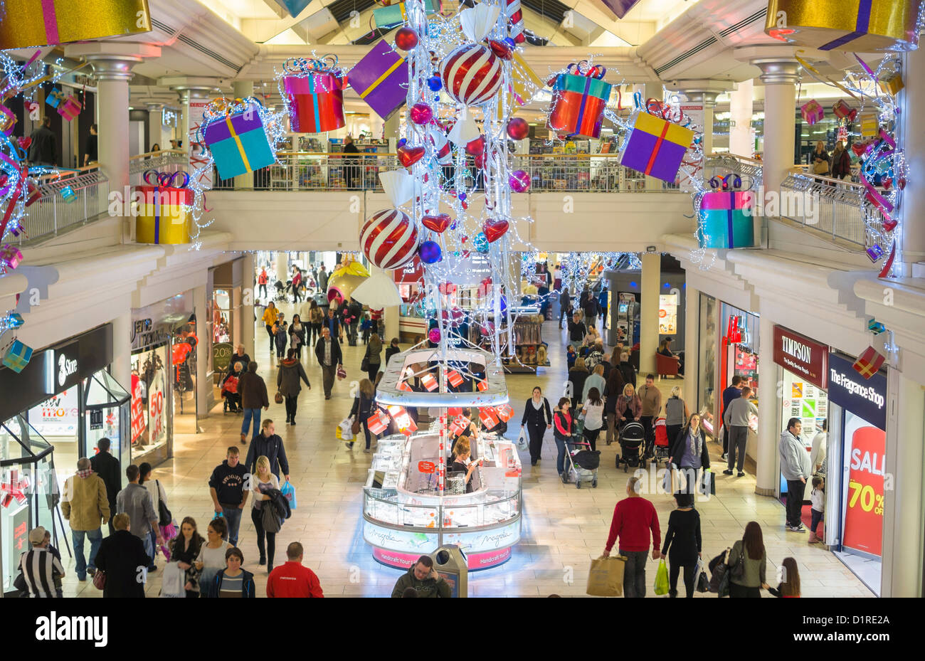 A Busy Day At The Metrocentre Shopping Mall At Christmas Stock Photo