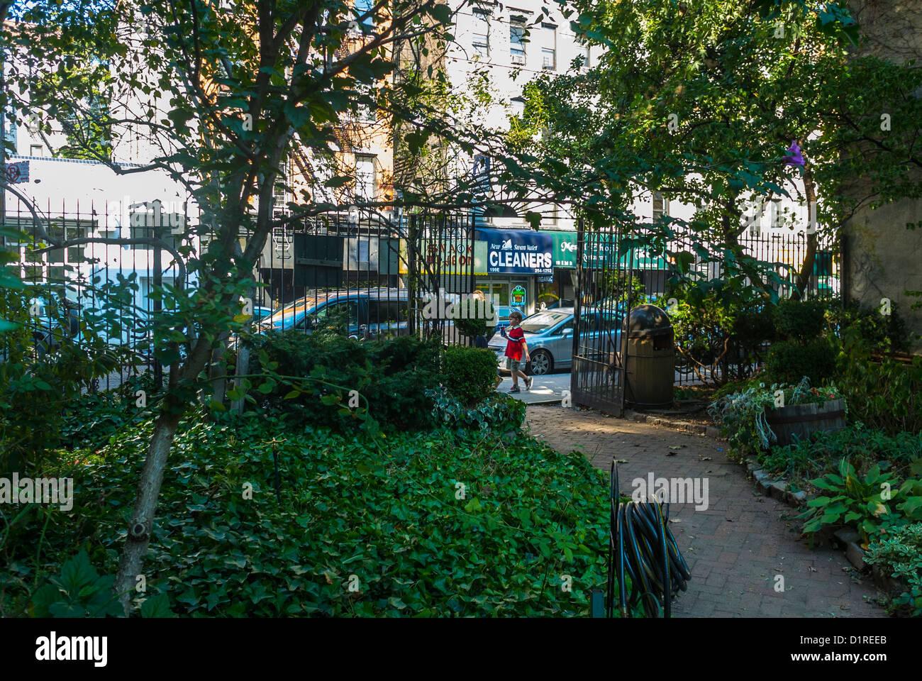 New York, East Village 'Miracle Garden' Community Gardens, Scenes, Local neighbourhoods - Stock Image