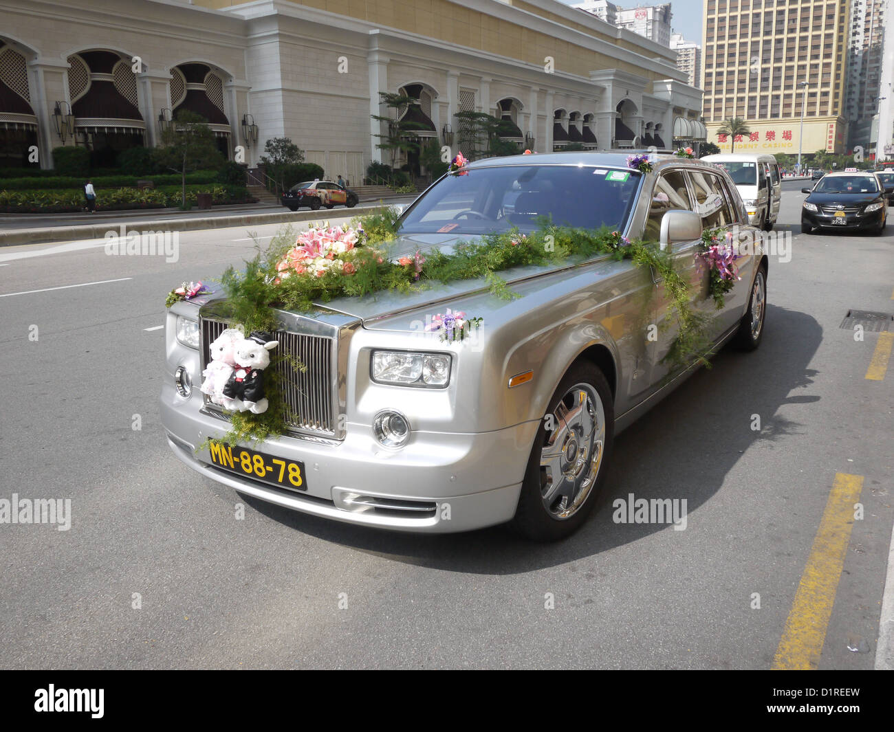 Wedding Car Decoration Royce Rolls Stock Photo 52762049 Alamy