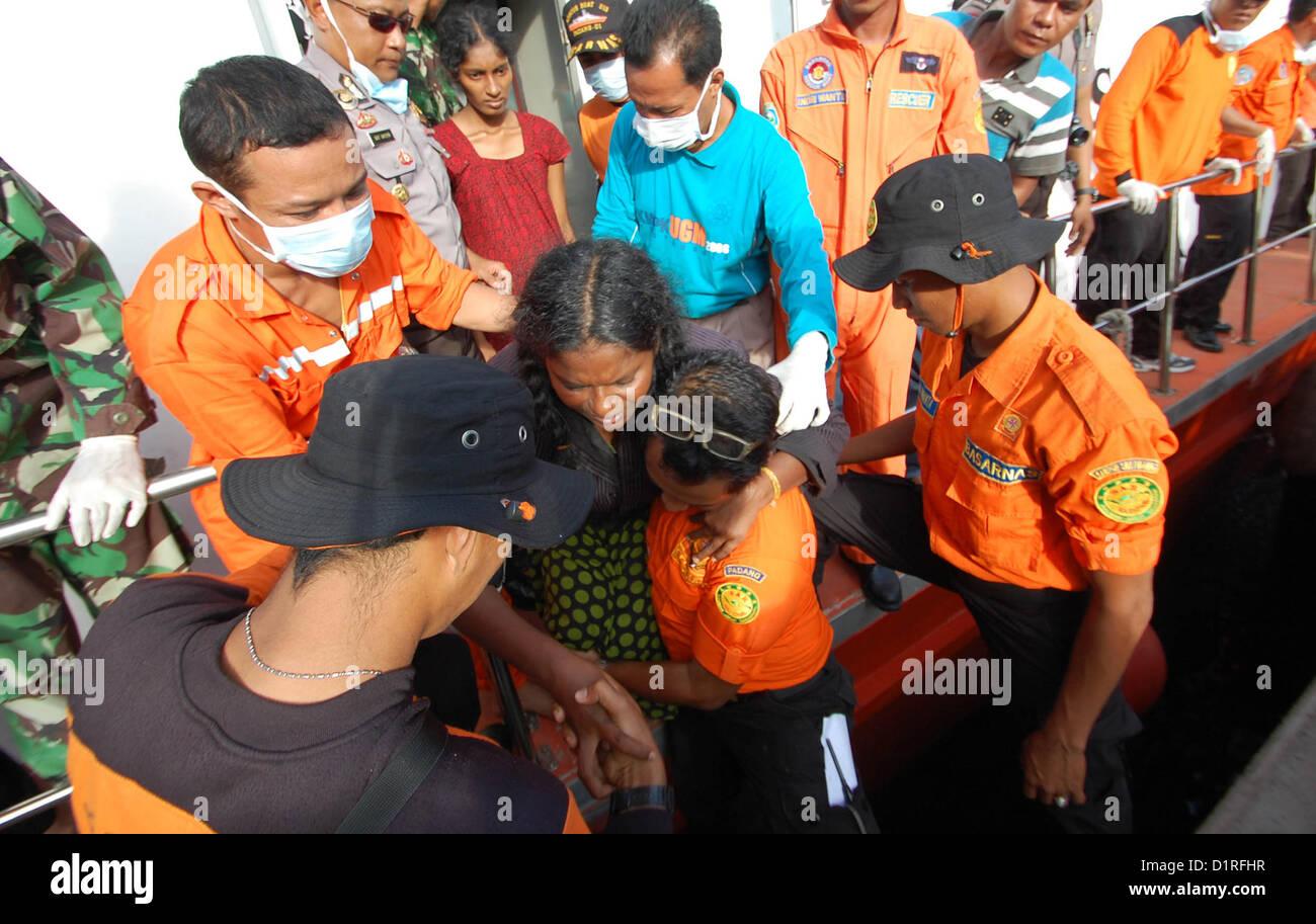 Jan 02, 2013 - West Sumatra, Indonesia - Indonesian rescue workers to evacuate Sri Lankan asylum seekers to Australia - Stock Image