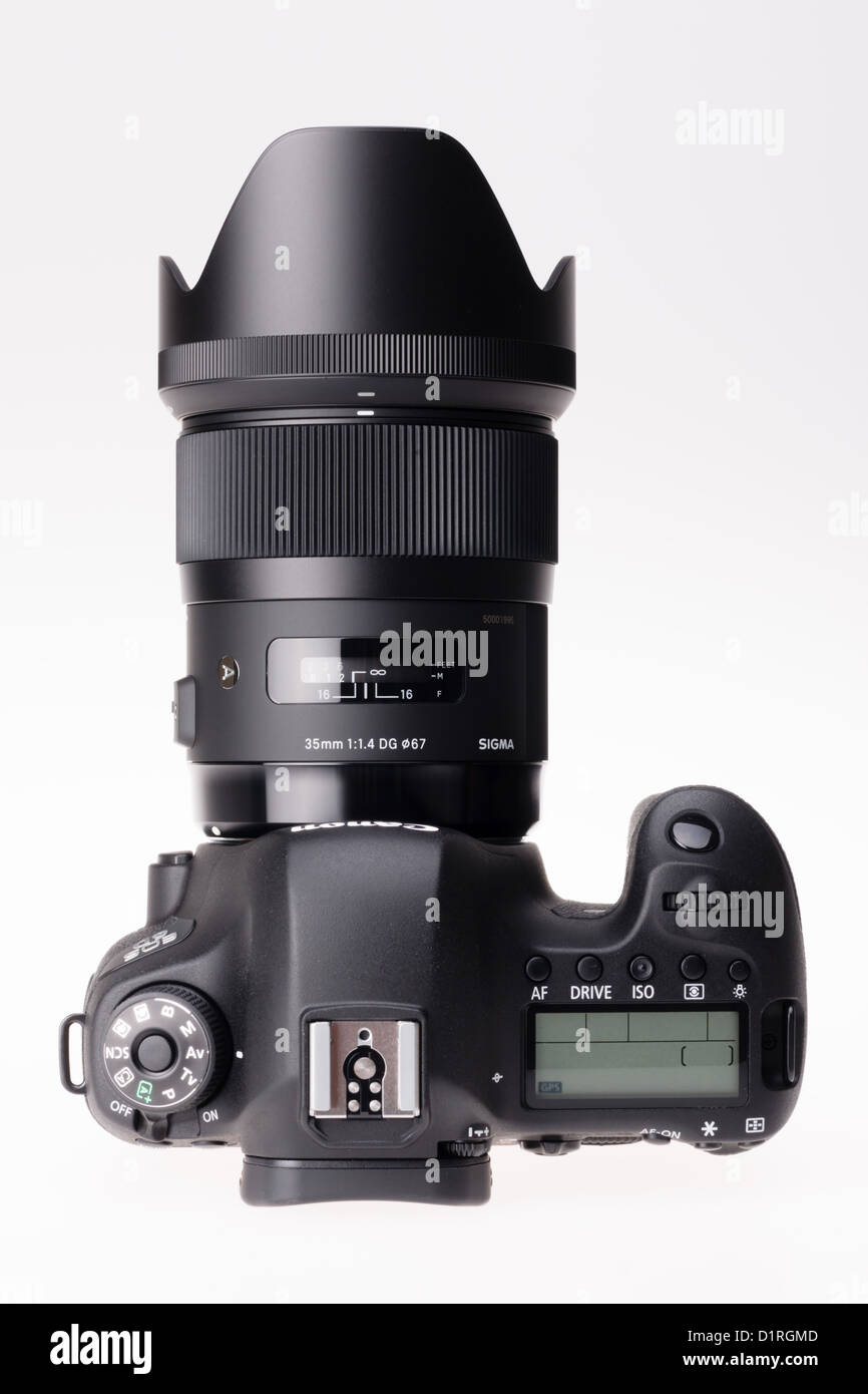 Sigma Prime Stock Photos Images Alamy 105mm F14 Dg Hsm Art Lens For Canon Ef Eos 6d Camera With 35mm F 14 Attached Image