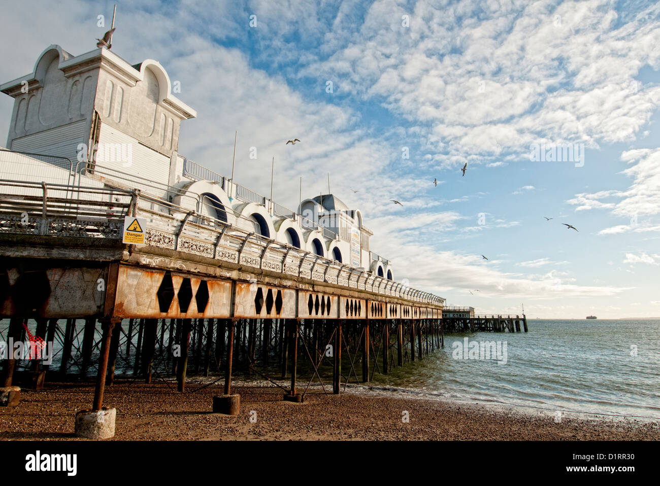Southsea Pier, rusting empty and unsafe - Stock Image
