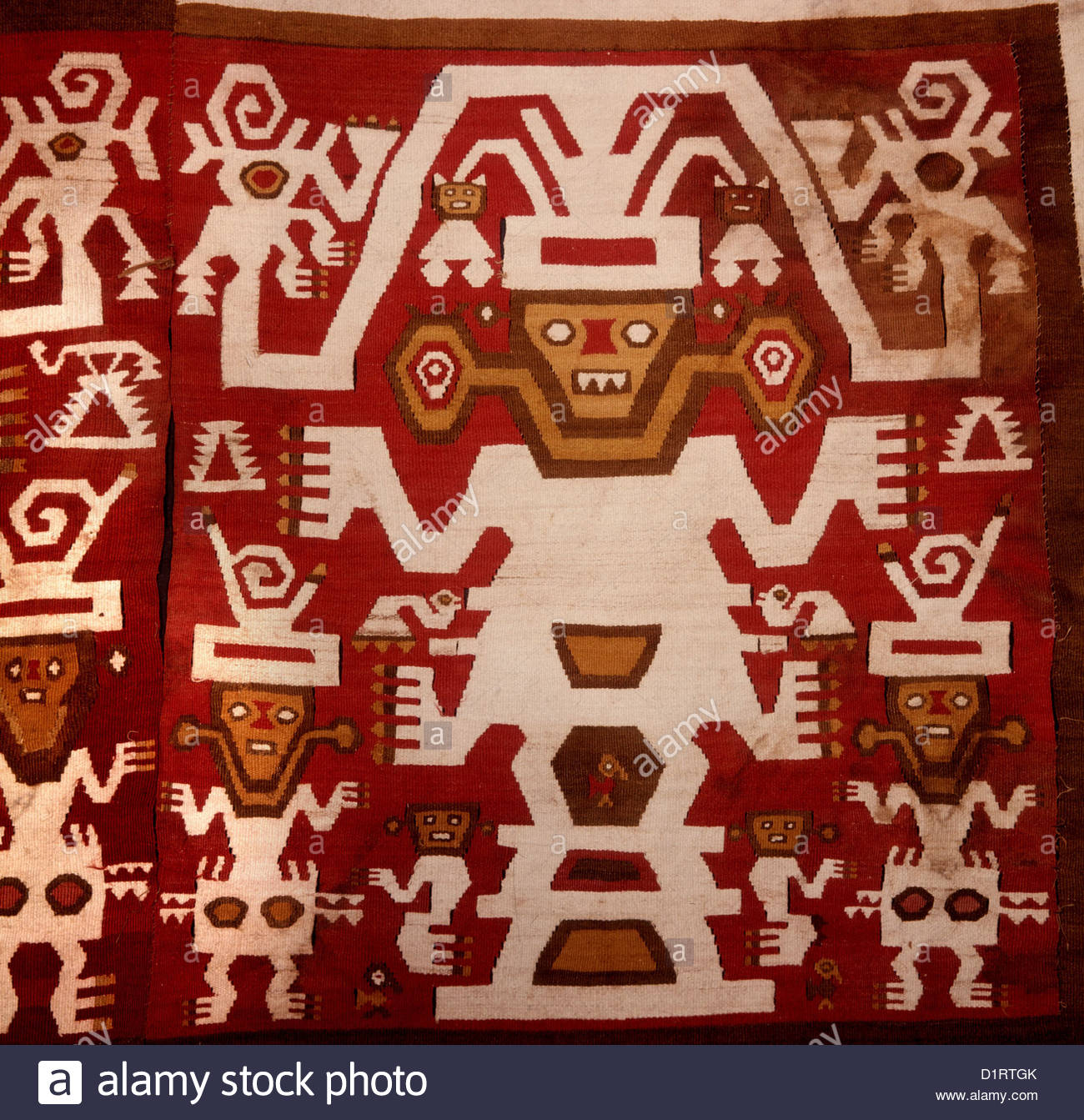 PERU, textile made of wool and cotton decorated with anthropomorphic design representing high ranking personages - Stock Image