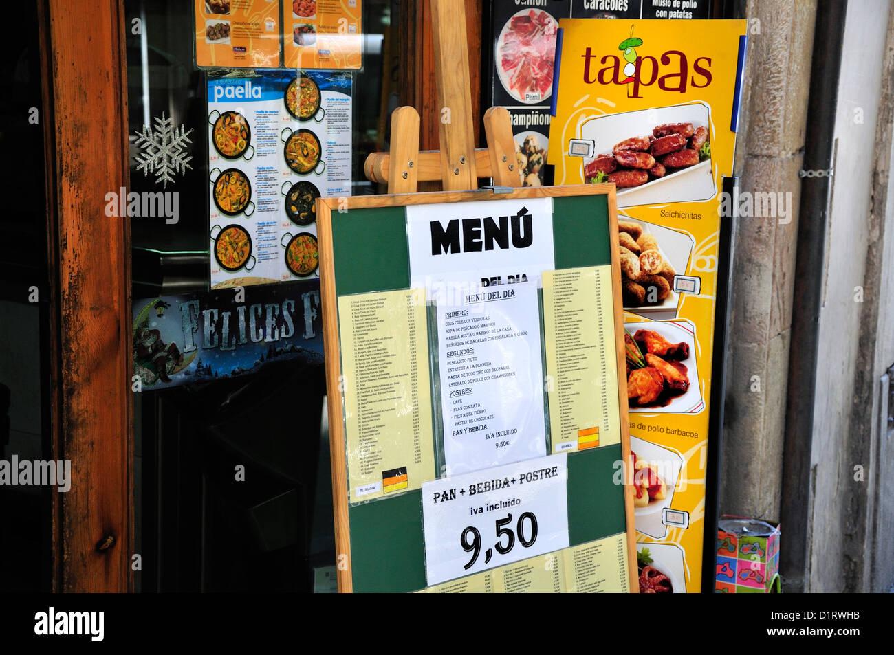 Barcelona, Catalonia, Spain. Menus outside tapas bar - Stock Image