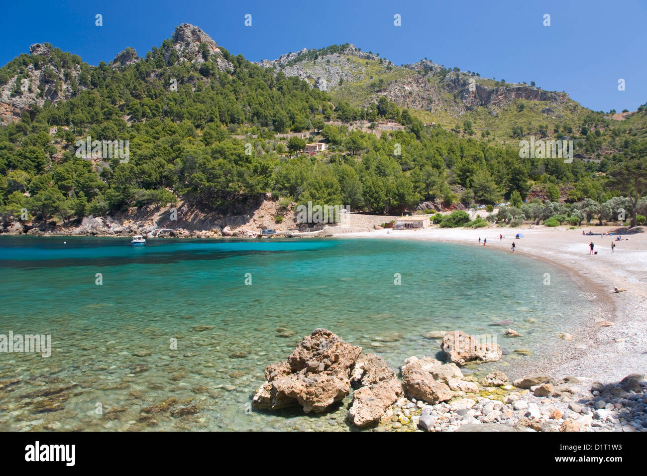 Sa Calobra, Mallorca, Balearic Islands, Spain. View across the clear turquoise waters of Cala Tuent. - Stock Image