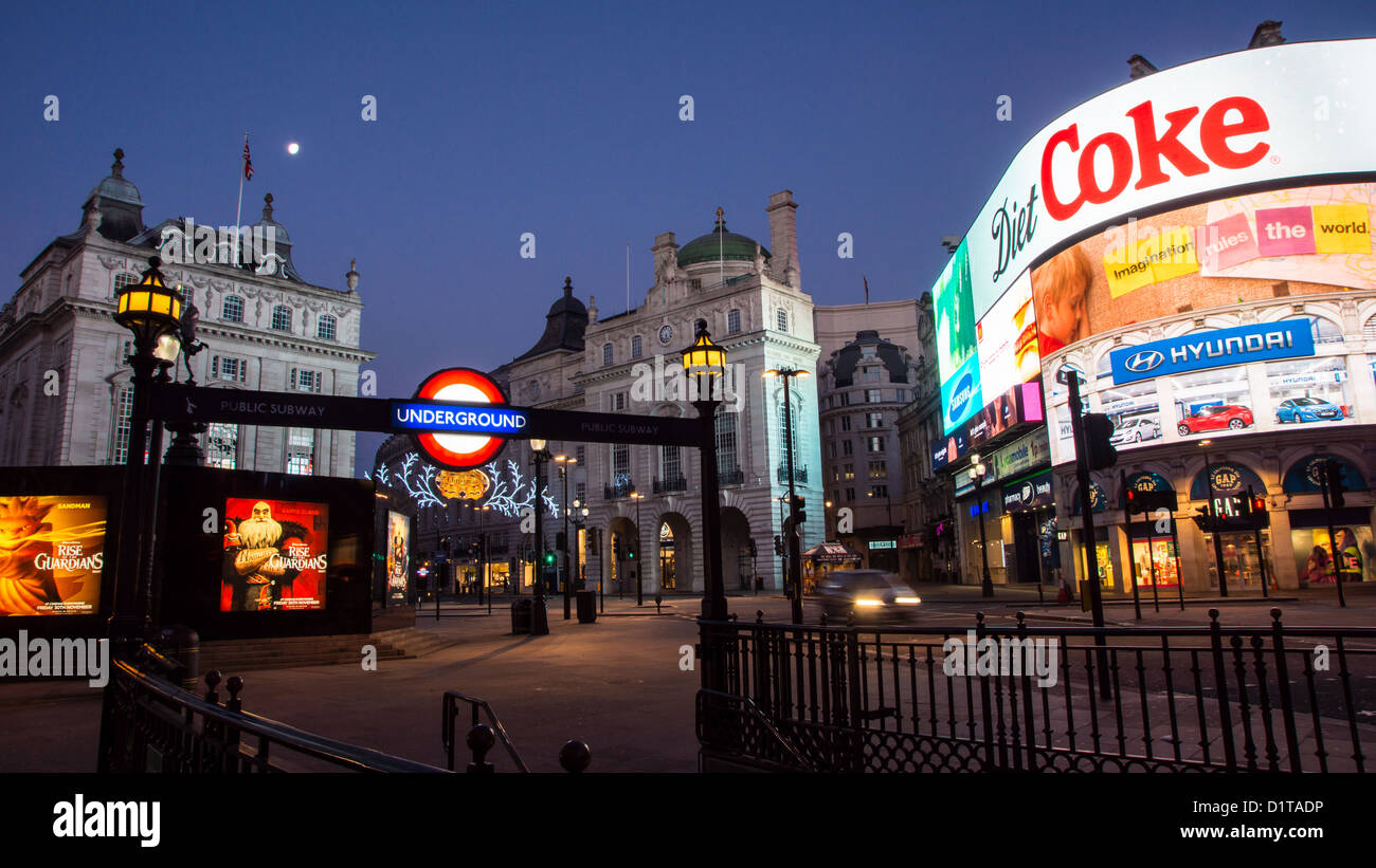 Piccadilly Circus by nigt - Stock Image