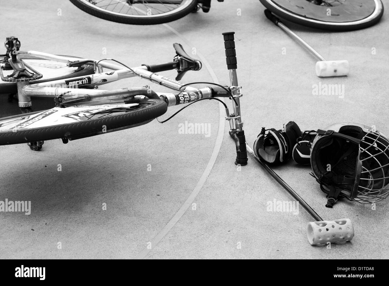Polo Black And White Stock Photos Images Alamy Full Bike Pato Fx 2 A Image Of Bicycle Laying On The Cement Court With Helmet