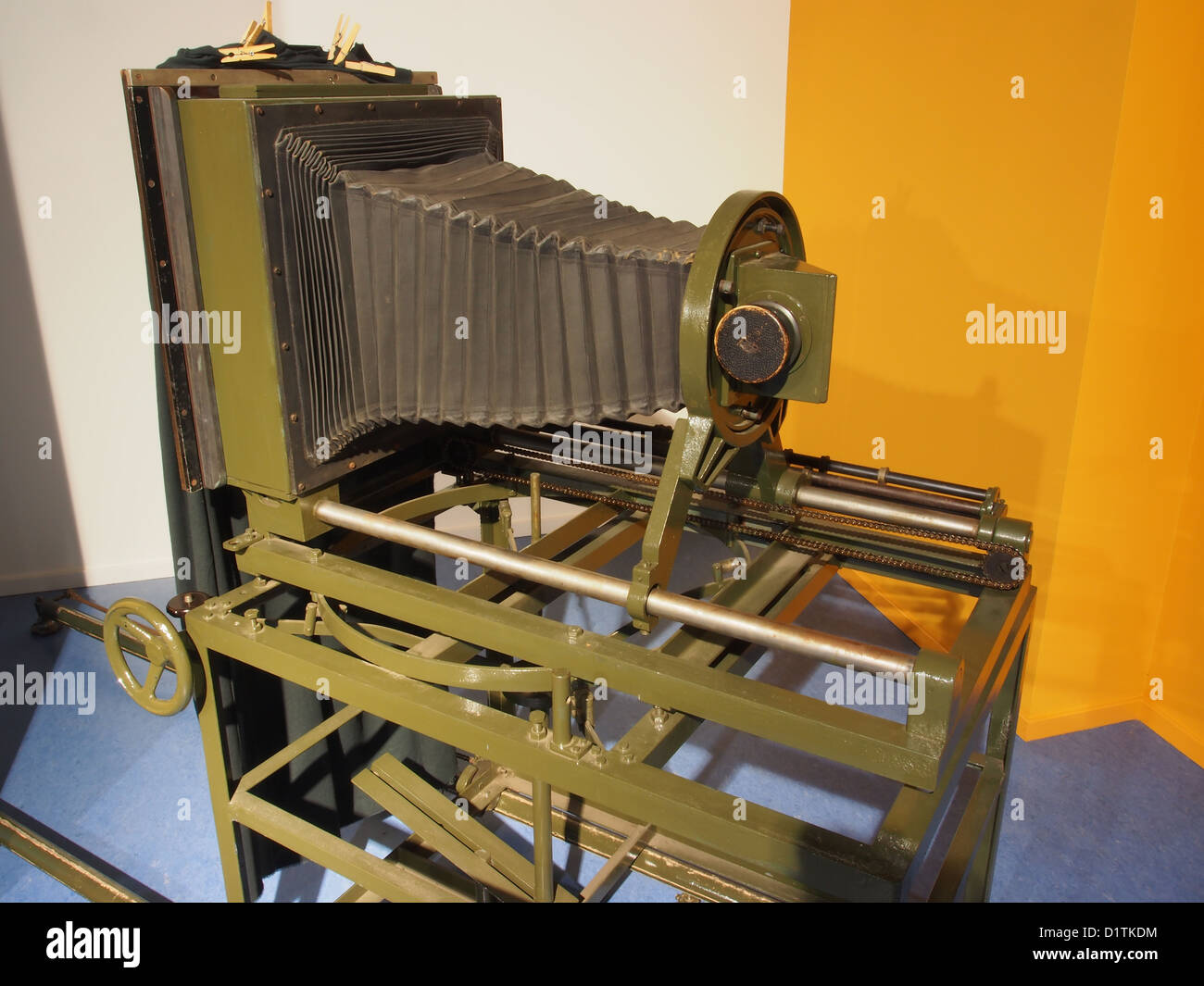 Ithaka Science Center.....Old photographic equipment - Stock Image