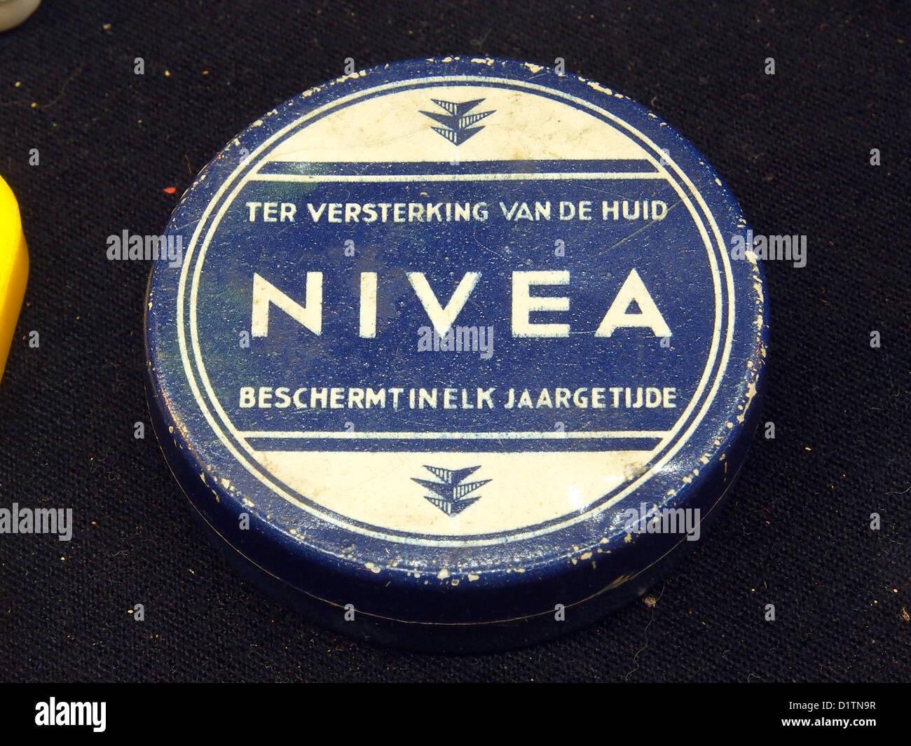 Nivea, ter versterking van de huid - Stock Image