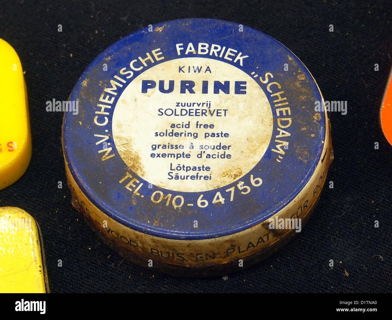 NV Chemische fabriek, KIWA, Purine, zuurvrij soldeer vet - Stock Image