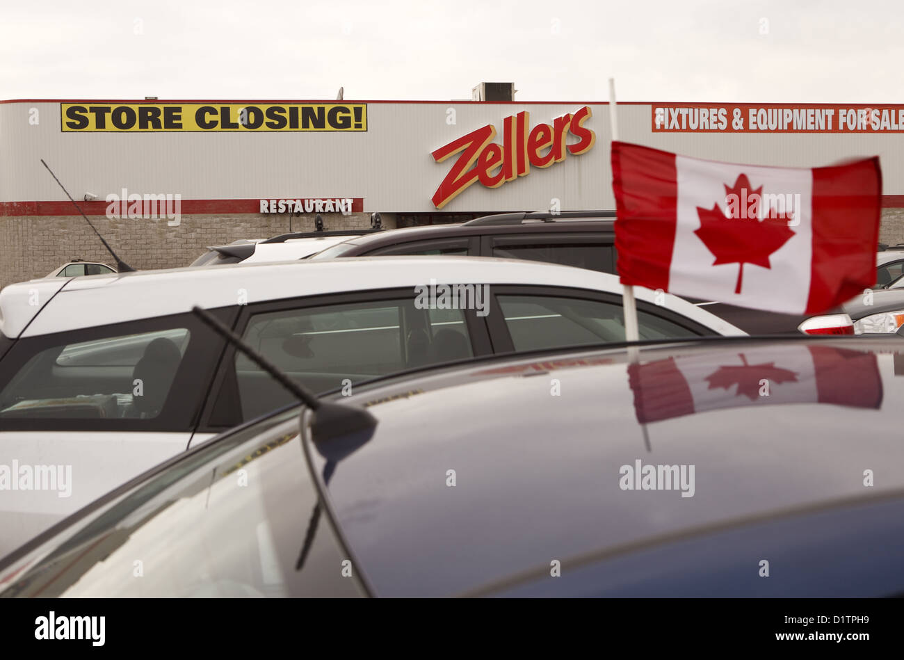 Target bought  up Zellers leaseholds for stores across the Canada     Zellers storefront and sign  Richmond Hill, - Stock Image