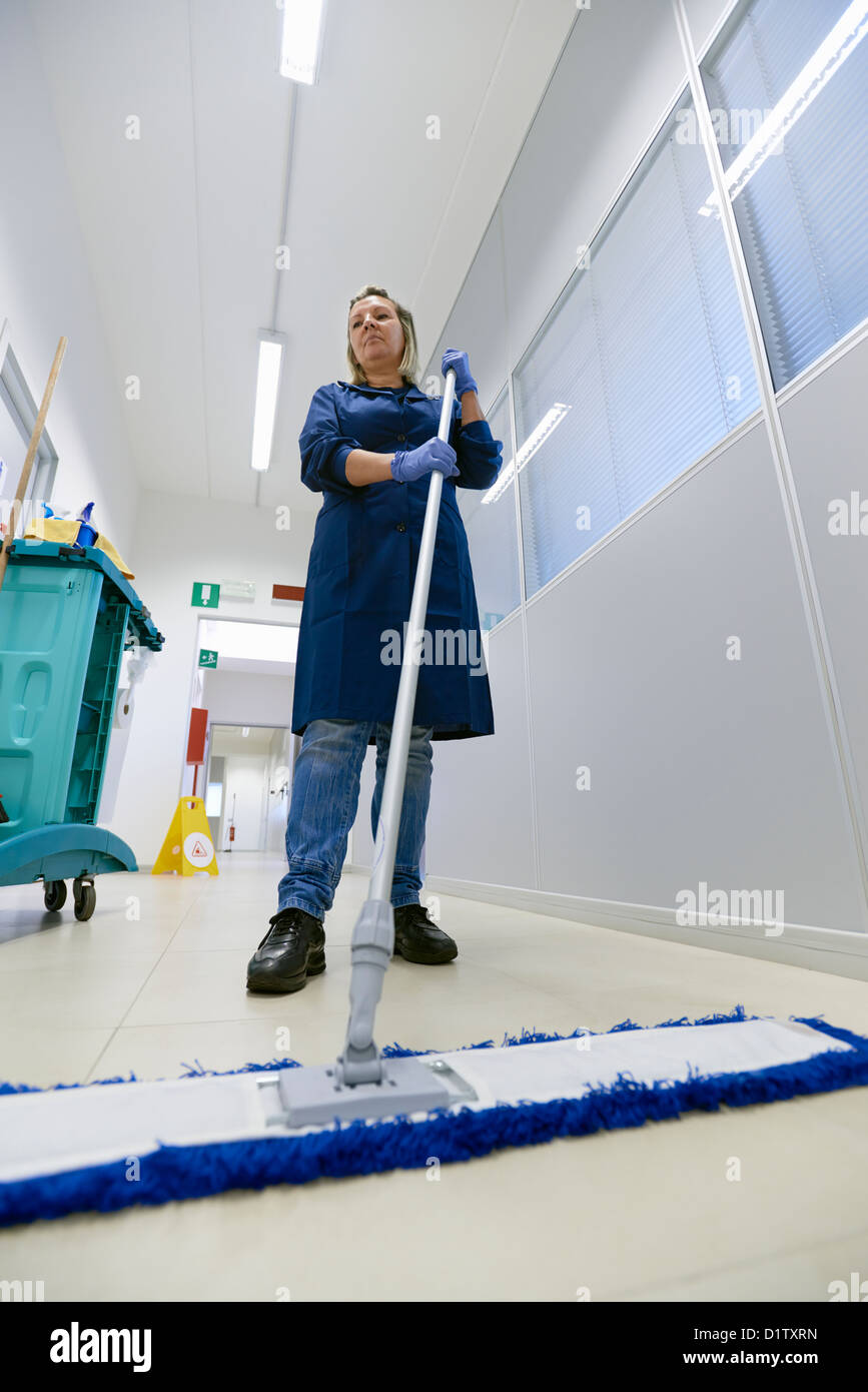 Maid Stock Photos Amp Maid Stock Images Alamy