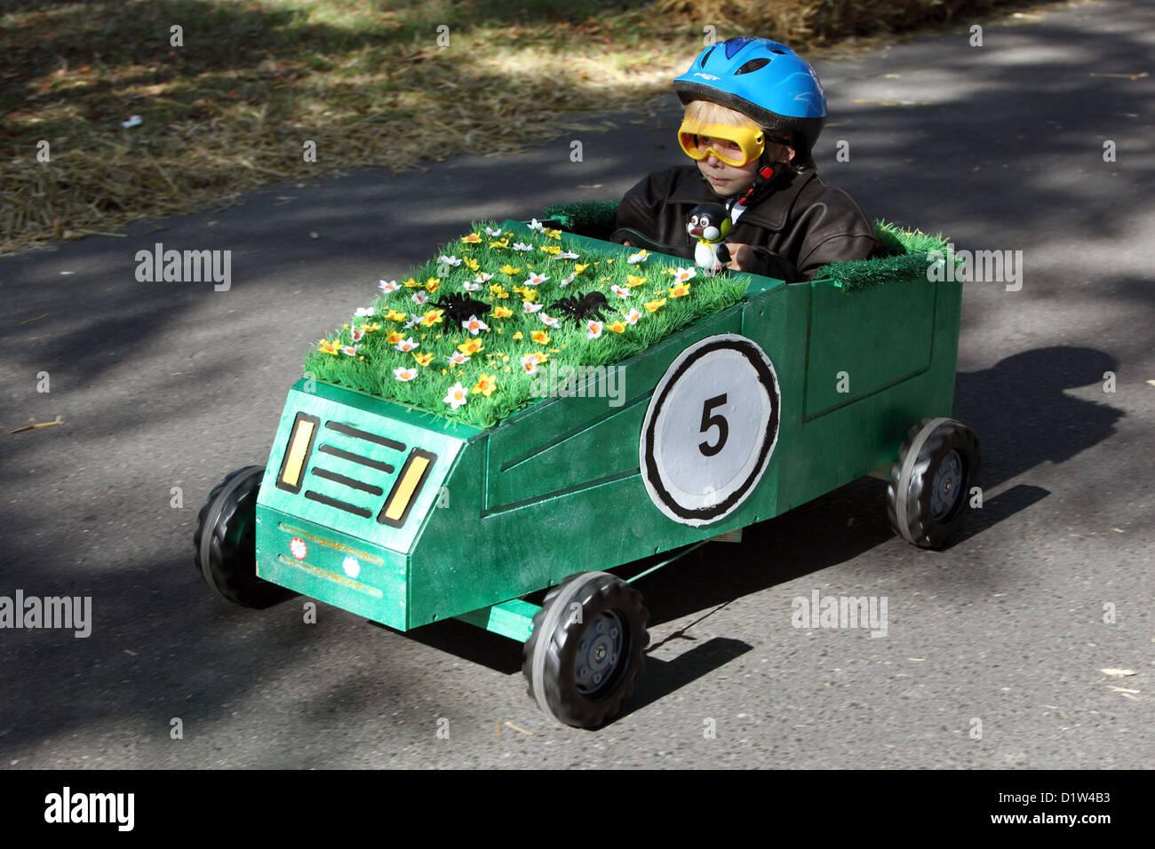 Neuenhagen, Germany, boy moves with a soapbox - Stock Image