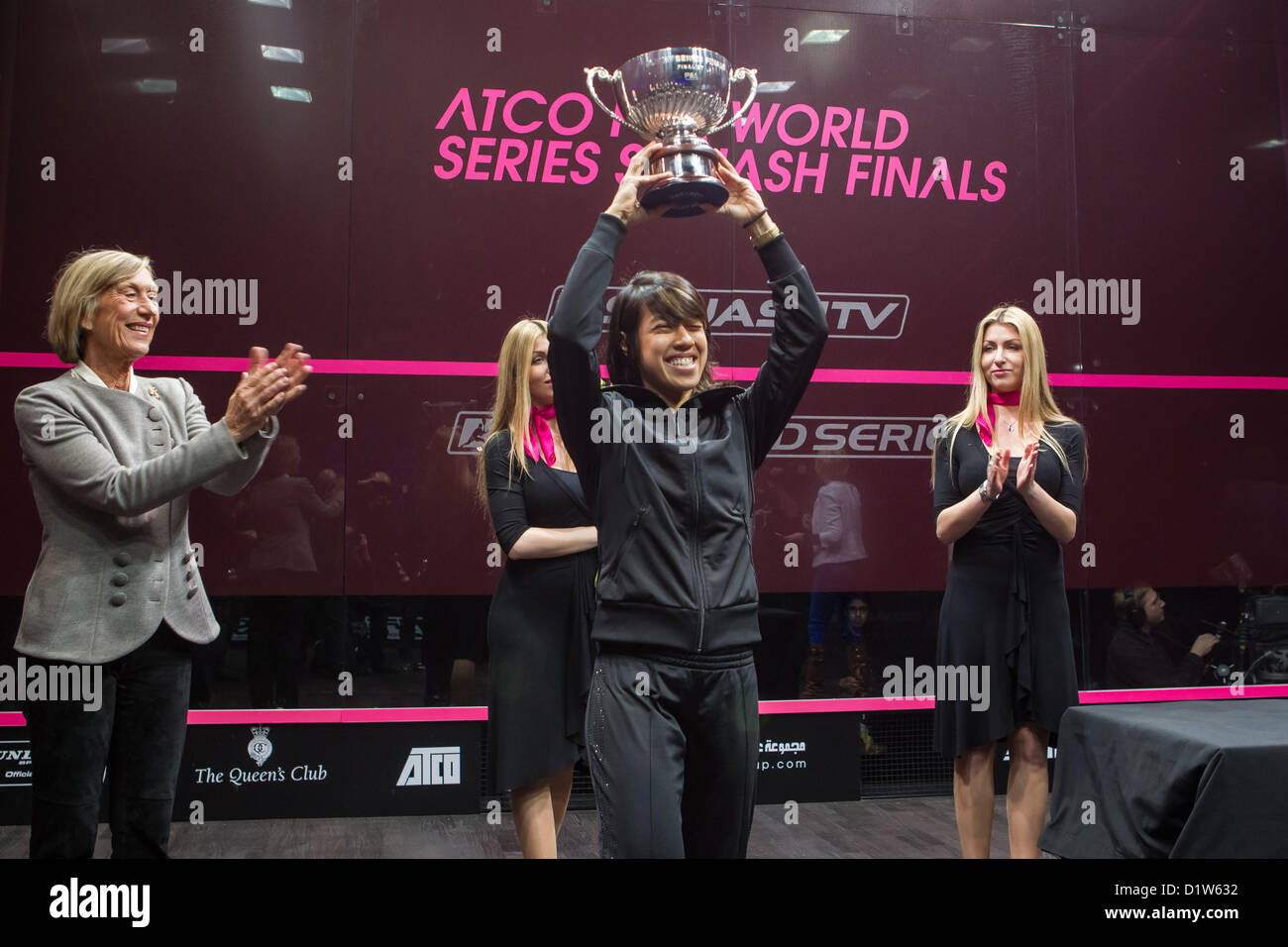 06.01.2013 London, England. World number 1 and reigning World Series champion Nicol David (Malaysia) lifts the trophy - Stock Image