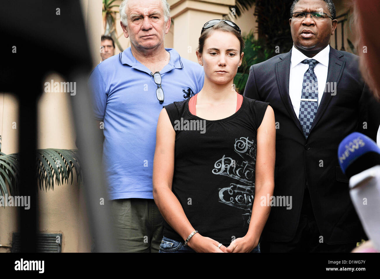 BALITO, SOUTH AFRICA:  Burry Stander's wife, Cherise Stander, gives a statement to the media about Burry's - Stock Image