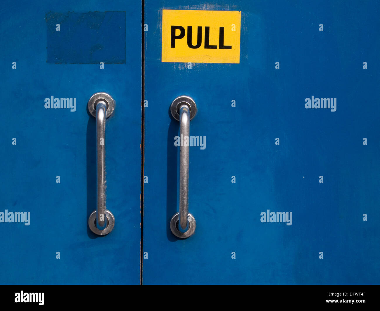 Pull Handles Stock Photos & Pull Handles Stock Images - Alamy