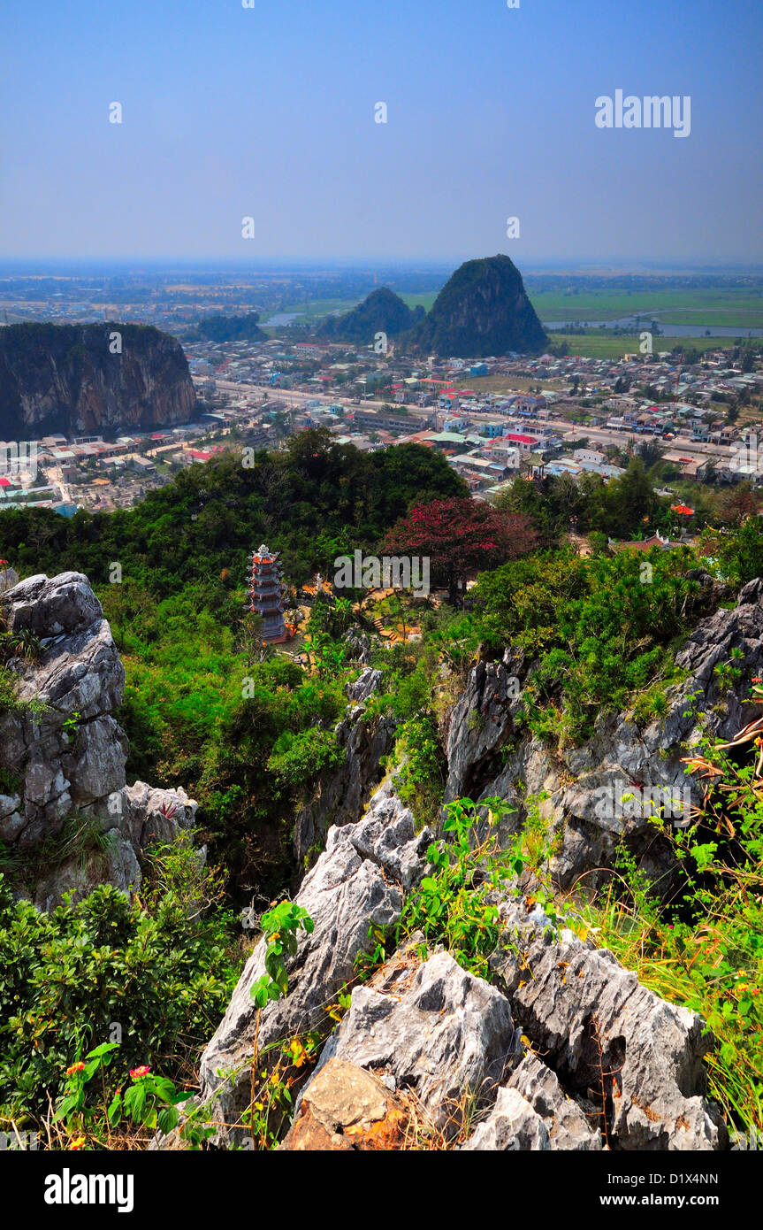 Looking down from summit. Thuy Son, Marble mountain (ngu hanh son), Vietnam - Stock Image