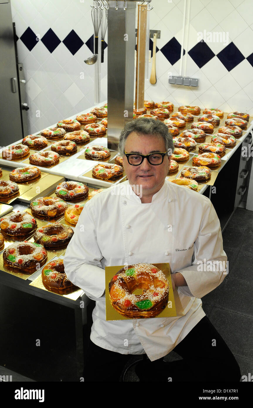 Christian Escriba from Barcelona. Tradicional cake of kings at Escribà pastry shop. 05/12/12 - Stock Image