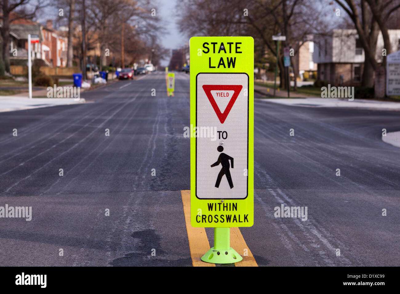 Yield to Pedestrian sign - Stock Image
