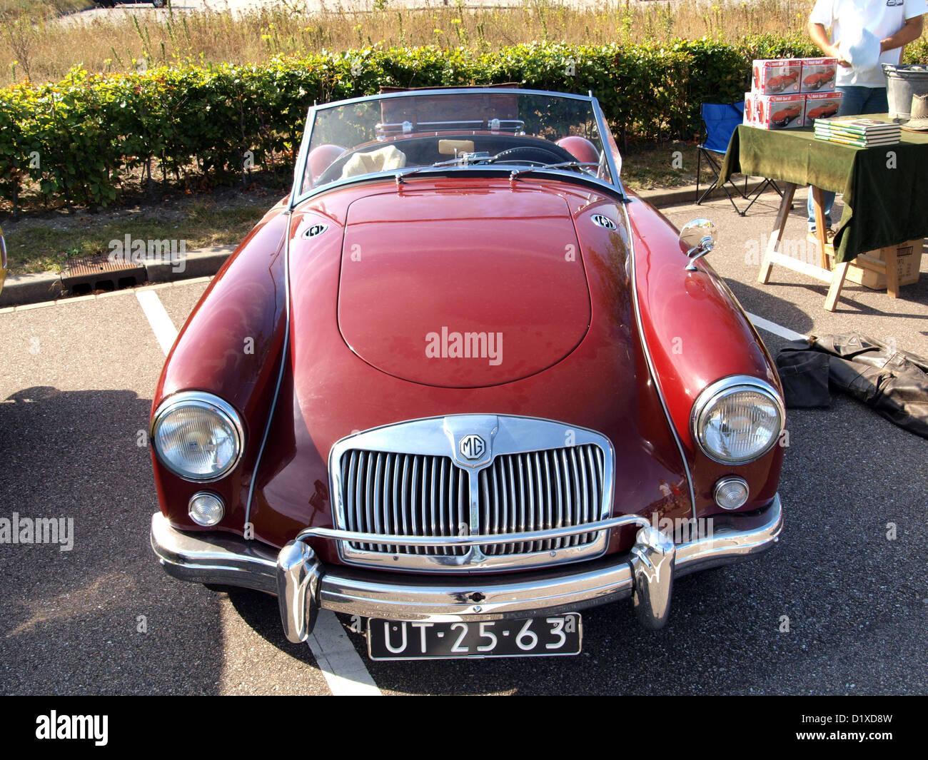 Classic Car Meeting Haarlem MG UT - Stock Image